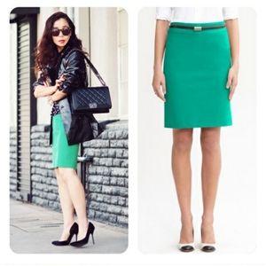 🚚Banana Republic Sloan green pencil skirt size 6